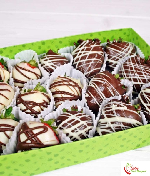 black-and-white-strawberry-box